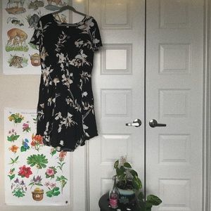 Gently used floral dress with v-neck cut